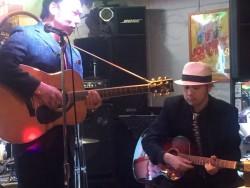 小倉ライブハウスマリア フォトギャラリー 日々のフォトギャラリー 楽器をお借りします!